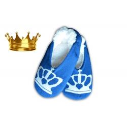 Modré nízke papuče s korunkou.