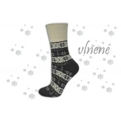 Hrejivé sivé vlnené ponožky s vločkami