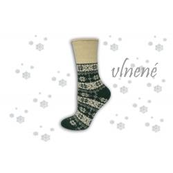 Hrejivé zelené vlnené ponožky s vločkami