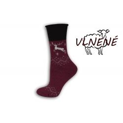 Zdravotné vlnené teplé  ponožky s jeleňom - bordové
