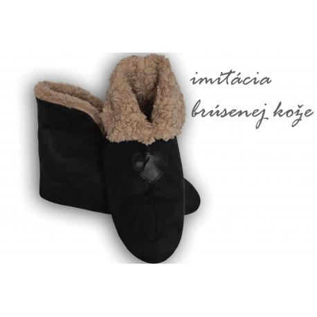 Čierne pánske papuče s imitáciou jelenice