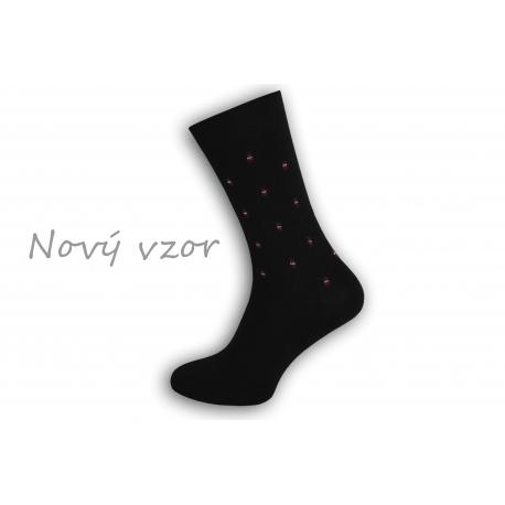 Netradičné čierne oblekové ponožky so vzorom