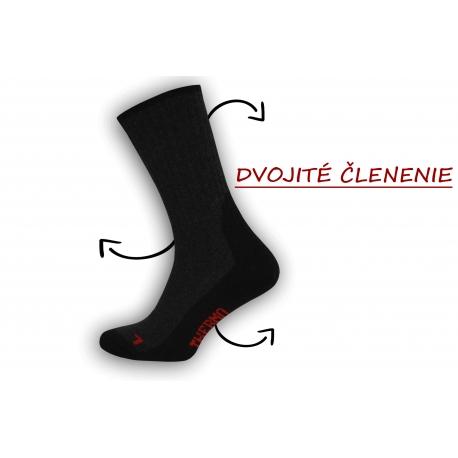 Dobré pánske ponožky s trekovým výzorom  - čierne