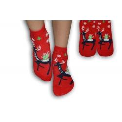 Červené ponožky s veselým obrázkom jeleňa