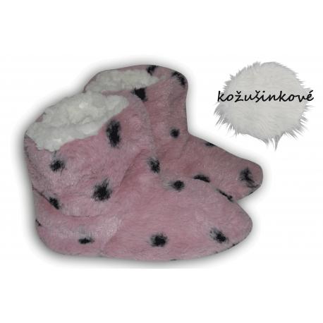 Ružové kožušinkové  papučky s bodkami