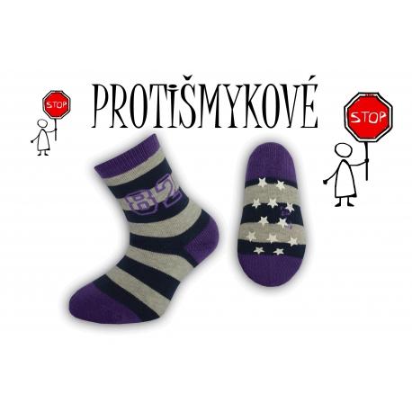 Pásikavé chlapčenské ponožky – fialové