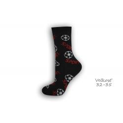 32-35! čierne ponožky s futbalom