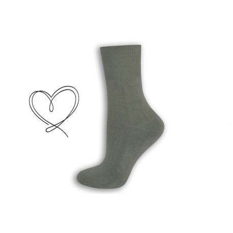 Sivé dámske ponožky so širokým lemom