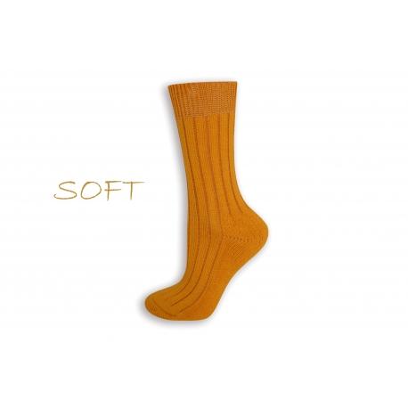 SOFT. Žlté jemné ponožky do postele