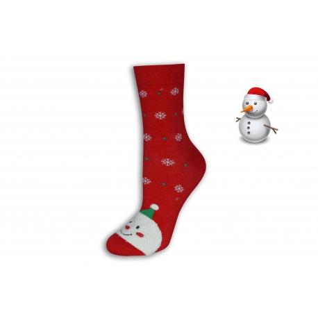 Červené vianočné ponožky so snehuliakom