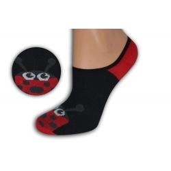 Čierno-červené neviditeľné ponožky s lienkou