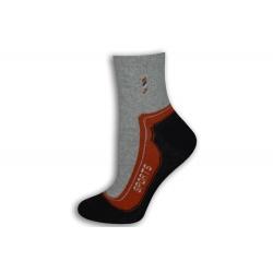 95%-né bavlnené športové ponožky. Tehlové