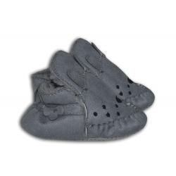 Sivé ponožkové papuče pre najmenších