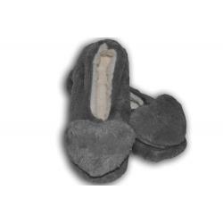 Sivé dámske papuče so srdiečkom